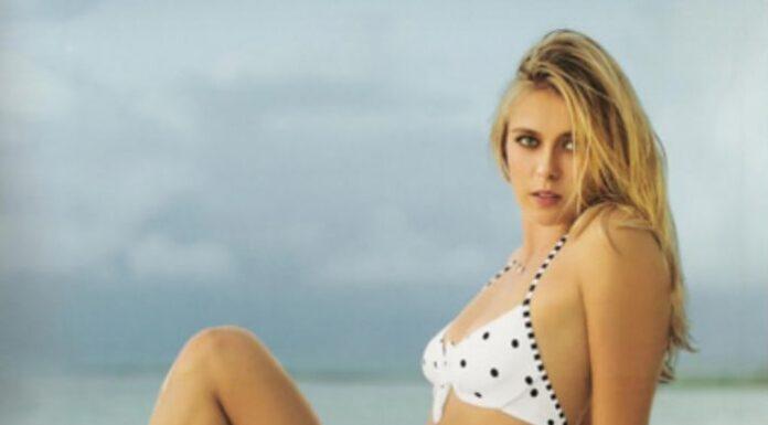 maria-sharapova-sexy-legs-in-a-bikini