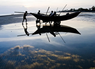 Returning home – Kuakata, Patuakhali, Bangladesh.