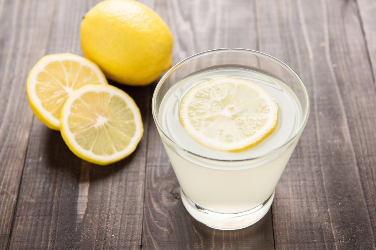 15 Benefits of Drinking Lemon Water in Morning Empty Stomach