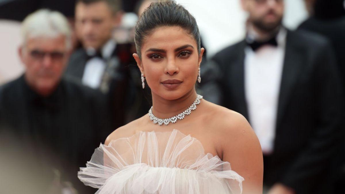 Priyanka Chopra Shared a Throwback Picture With Rishi Kapoor